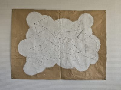 空想/約1730 x 1280 mm/鉛筆、アクリル絵の具、クラフト紙/2010年