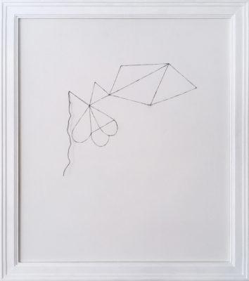 花を描く絵/w31.6 x h36.6 cm/アクリル絵具、mdfボート、糸/2008年
